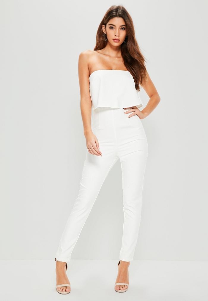 modèle de combinaison femme chic de couleur blanche avec top double et pantalon slim, idée tenue de soirée chic