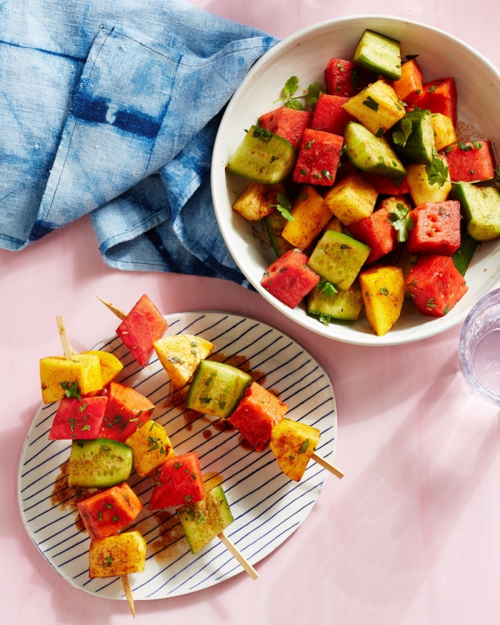salade été originale en brochettes de fruits aux épices mexicaines