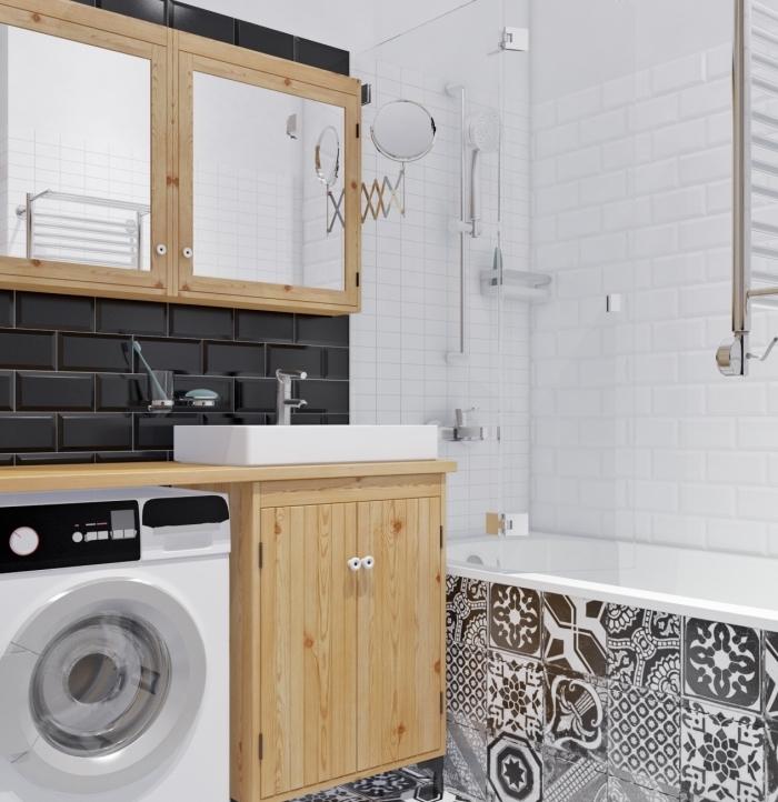 modèle de meuble salle de bain fonctionnel avec miroir à rangement de bois et verre, idée carrelage design carreaux de ciment en blanc et noir