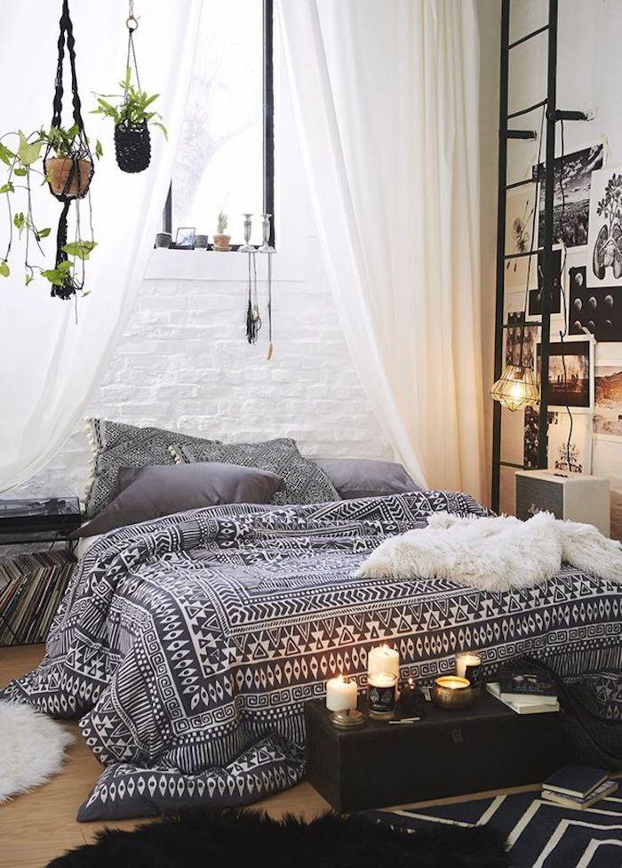 Deco petite chambre adulte, fonctionnel aménagement chambre 10m2, cosy déco scandinave, bohème chic décoration, échelle en fer, plantes vertes, bougies allumées