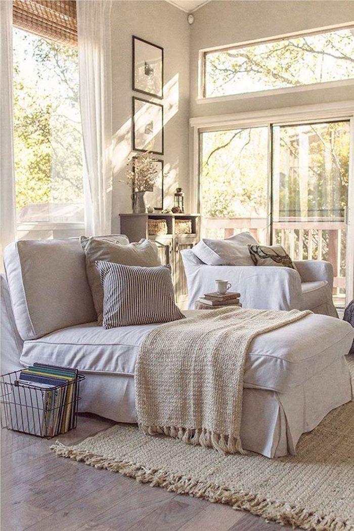 Cool idée déco chambre adulte, aménagement chambre 10m2, décoration mignonne, fauteuil qui se transforme en lit pour une personne