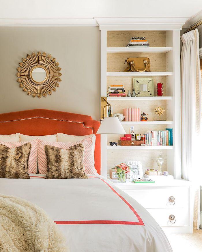 Amenagement petite chambre, aménagement chambre 10m2, belle idée deco en orange et taupe, comment décorer une chambre à coucher taupe