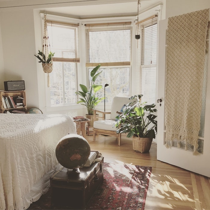 Aménager chambre 9m2, deco chambre moderne, déco simple en blanc et bois, style vintage