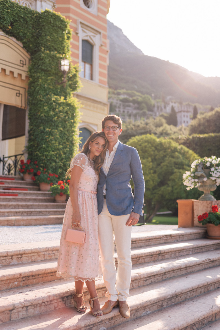 Choisir son tenue pour mariage champetre robe pour mariage champetre printemps couple invitée mariage robe parfait rose dentelle fleurie