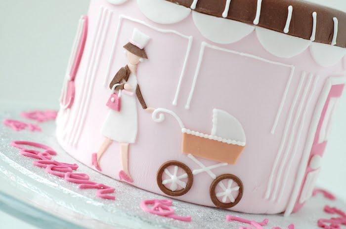 Chouette idée gateau femme enceinte rose pate a sucre gateau baby shower fille ou garcon original