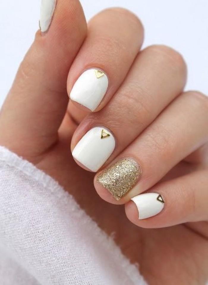 Deco ongle gel, idée manucure vernis gel, modele ongle nail art, beaute féminine, ongle blanc et doré