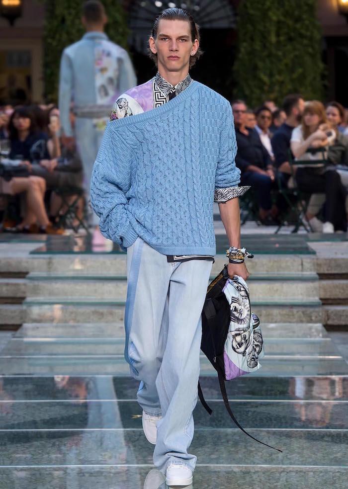 défilé mode versace s s 18 printemps été look boheme chic homme