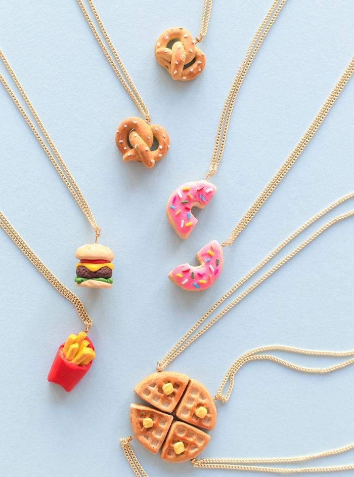 idée de collier meilleure amie à partager en pate fimo à motifs nourriture, cadeau pour soeur, copine ou meilleure amie