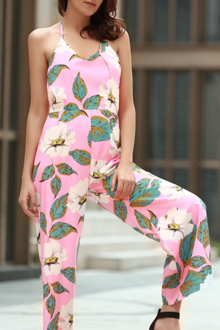 idée combinaison mariage de couleur rose à design fleuri avec bretelles à porter avec une paire de chaussures à talons