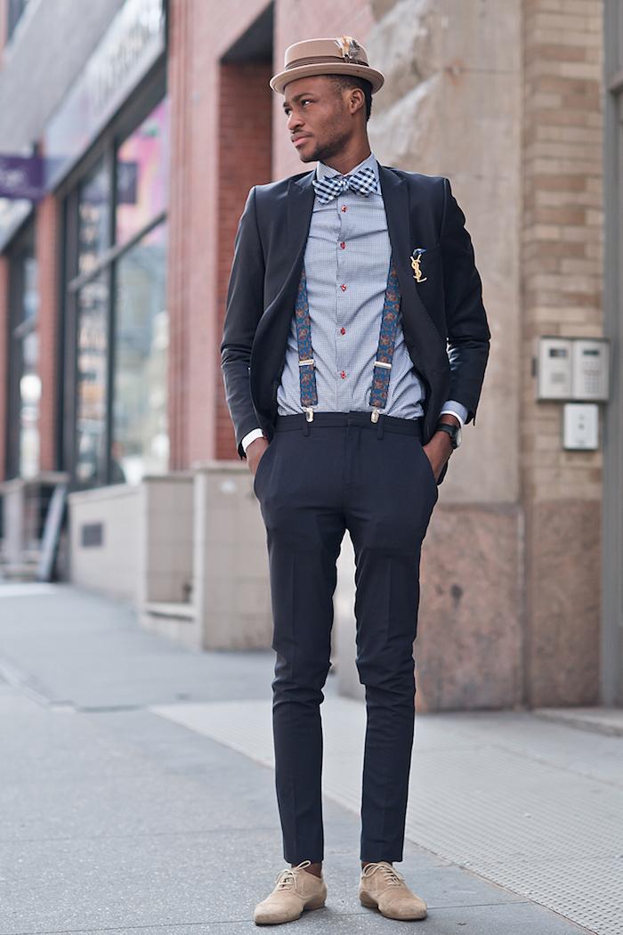 costume mariage homme chic décontracté bleu marine coupe clim avec chemise grise et noeud papillon