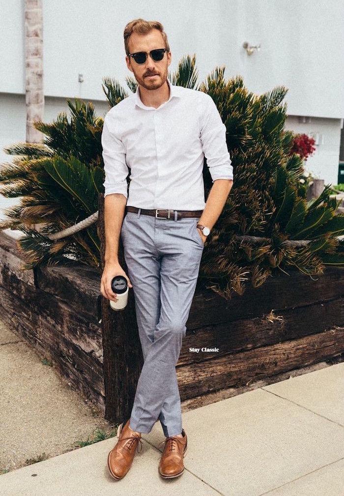tenue de mariage décontractée pour homme avec pantalon gris et chemise blanche
