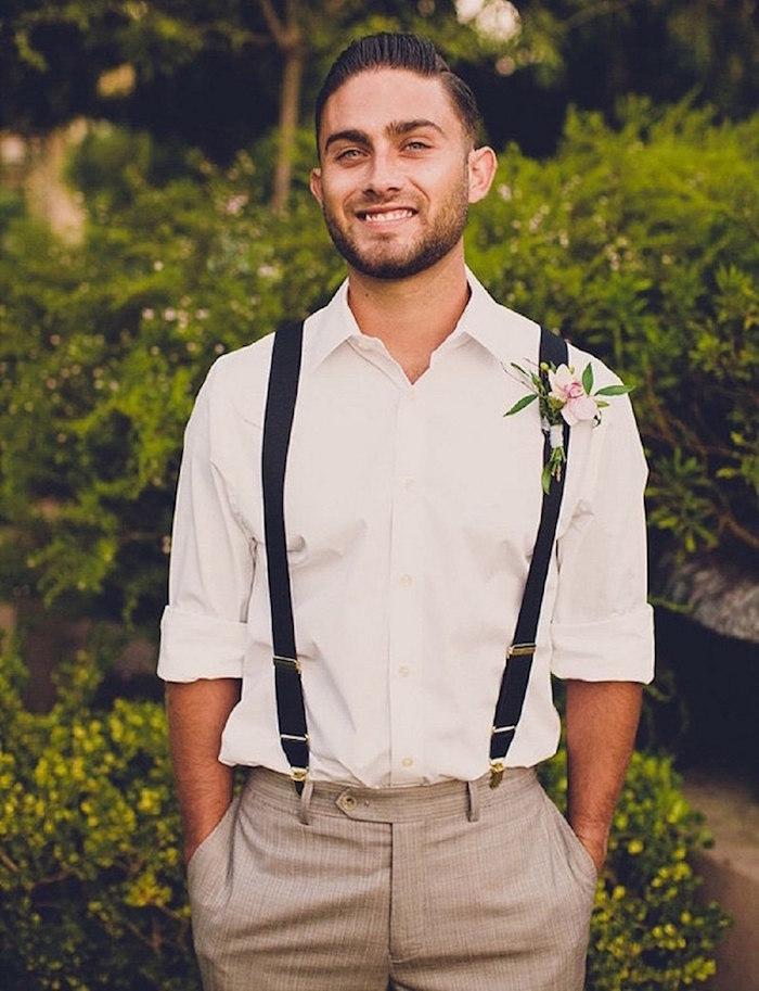 exemple costume homme mariage champetre avec bretelles et fleurs épinglées