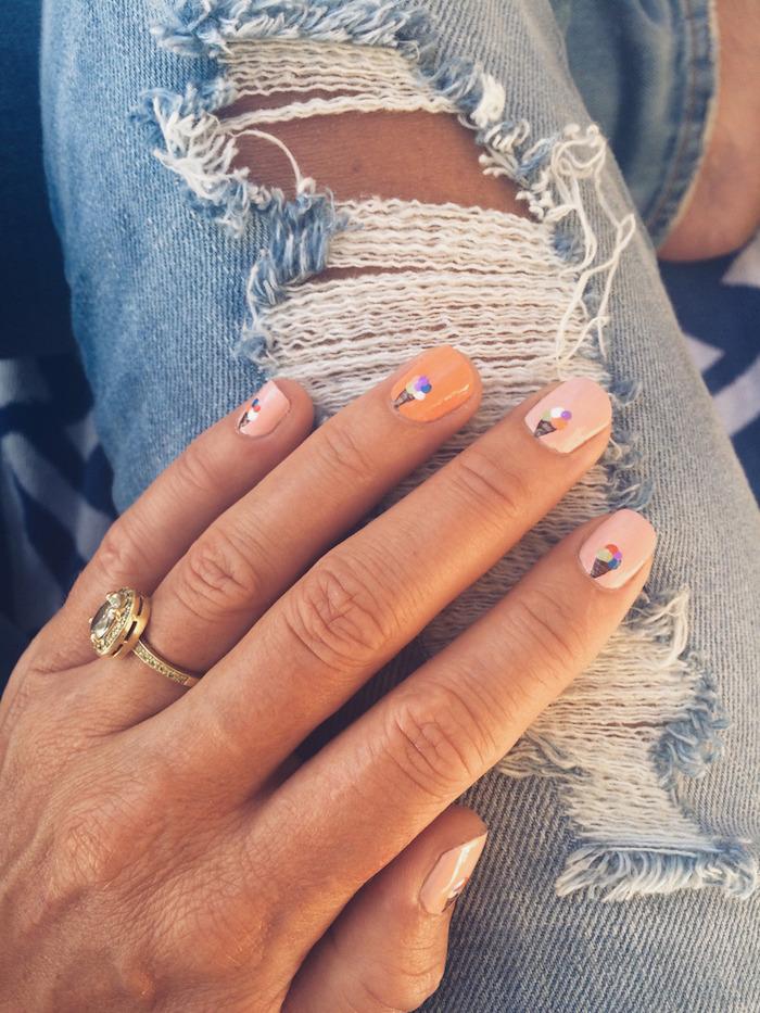 Couleur pastel pour les ongles d'été avec dessin de glace, modele ongle gel 2018, modele ongle nail art mignon, deco ongle facile