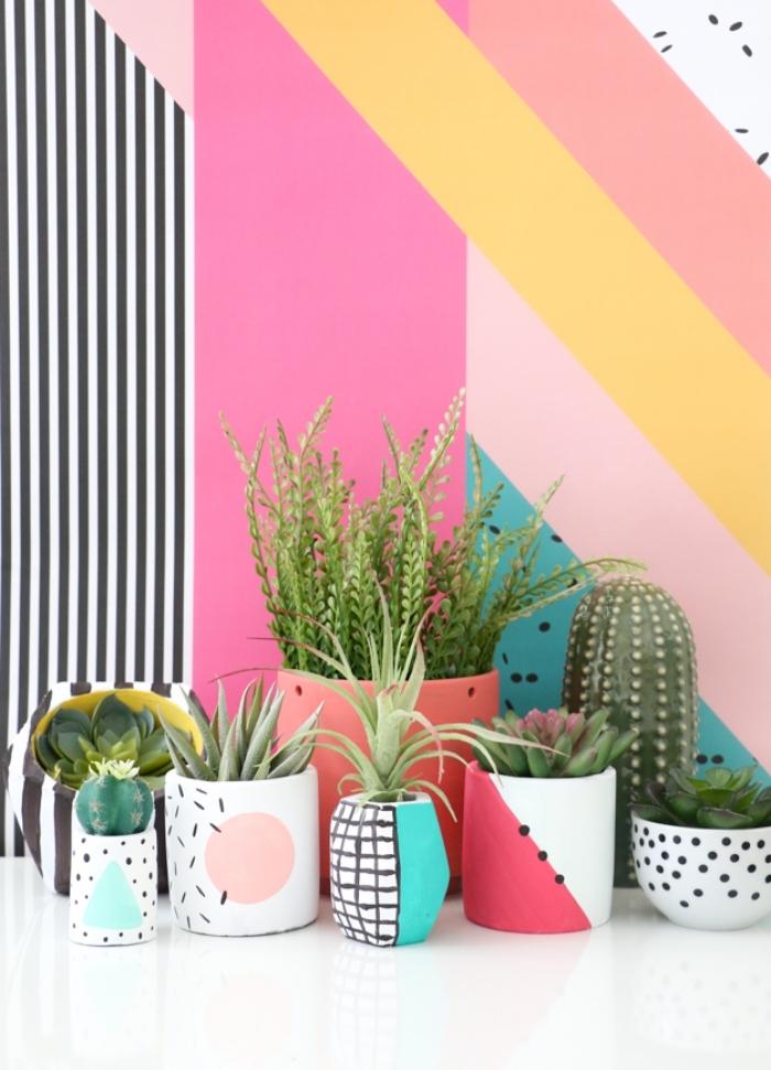 design intérieur moderne en couleurs, modèles pots à fleurs personnalisés avec dessins marqueurs permanents