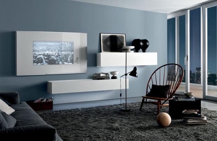 déco salon bleu, noir et blanc pour une ambiance minimaliste élégante et sophistiquée