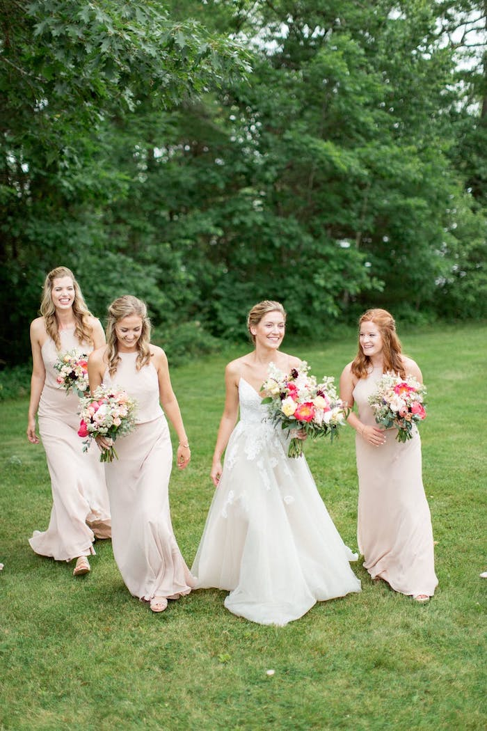 Chic robe cocktail champetre tenue simple et chic robe champêtre longue cool idée la mariée et les demoiselles d honneur