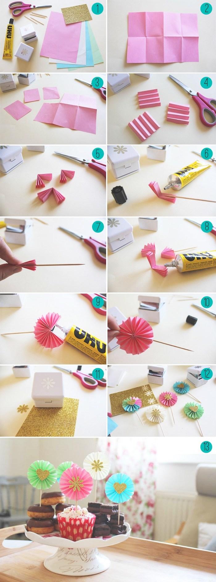 deco cupcake dessert facile, un moulin à vent fabriqué à partir d eventail papier sur un cure dent bois