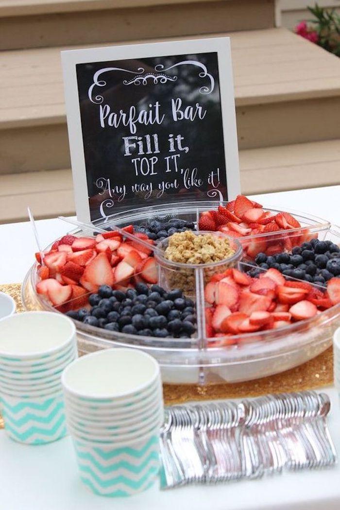 Diy anniversaire deco 30 ans decoration anniversaire adulte deco festive table bien rangée bar de cereal topping