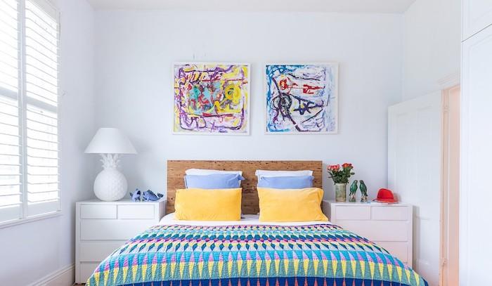 Art tableaux sur le mur, deco chambre adulte colorée, boheme chic déco petite chambre adulte, hygge decoration moderne