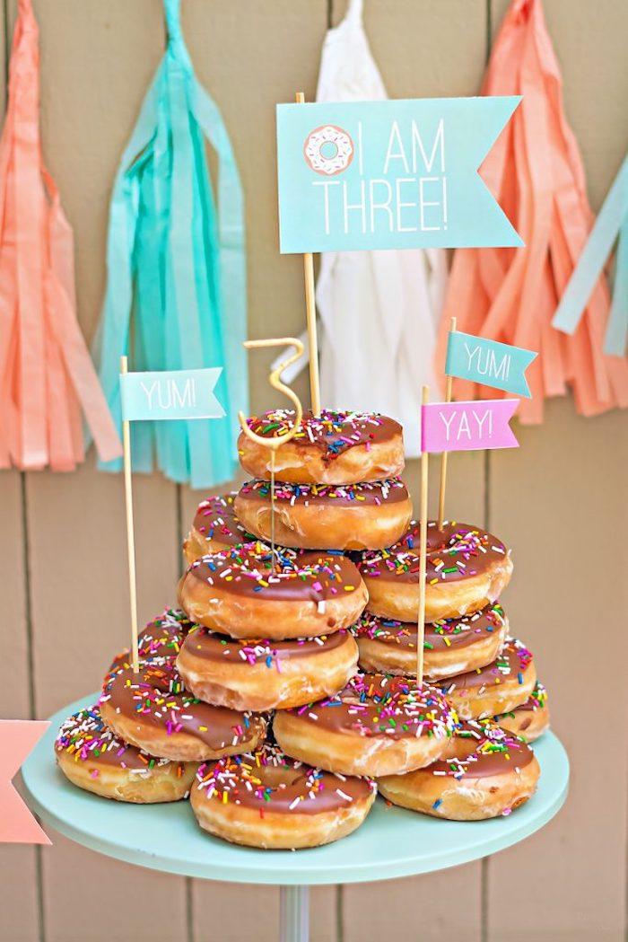 Déco anniversaire à faire soi même deco a faire soi meme soiree amis donut cake idées