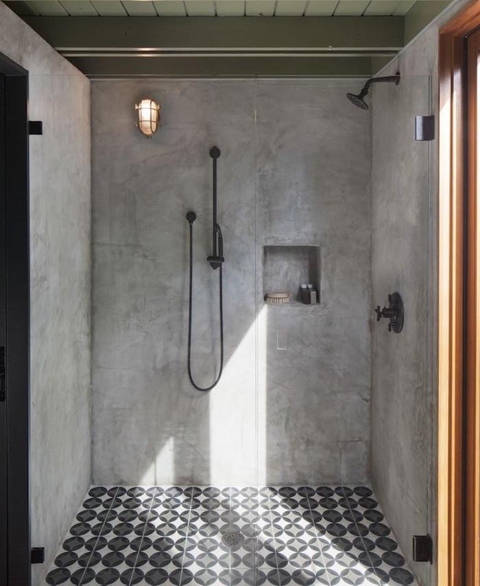murs en beton ciré pour douche italienne avec sol carrelage déco moderne
