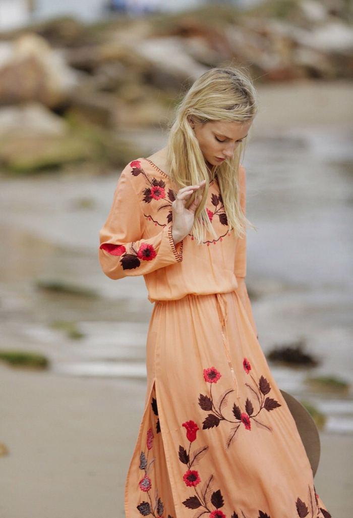 Femme bien habillée tenue ete 2018 comment s habiller au style champêtre chic ou bohème tenue de vacances