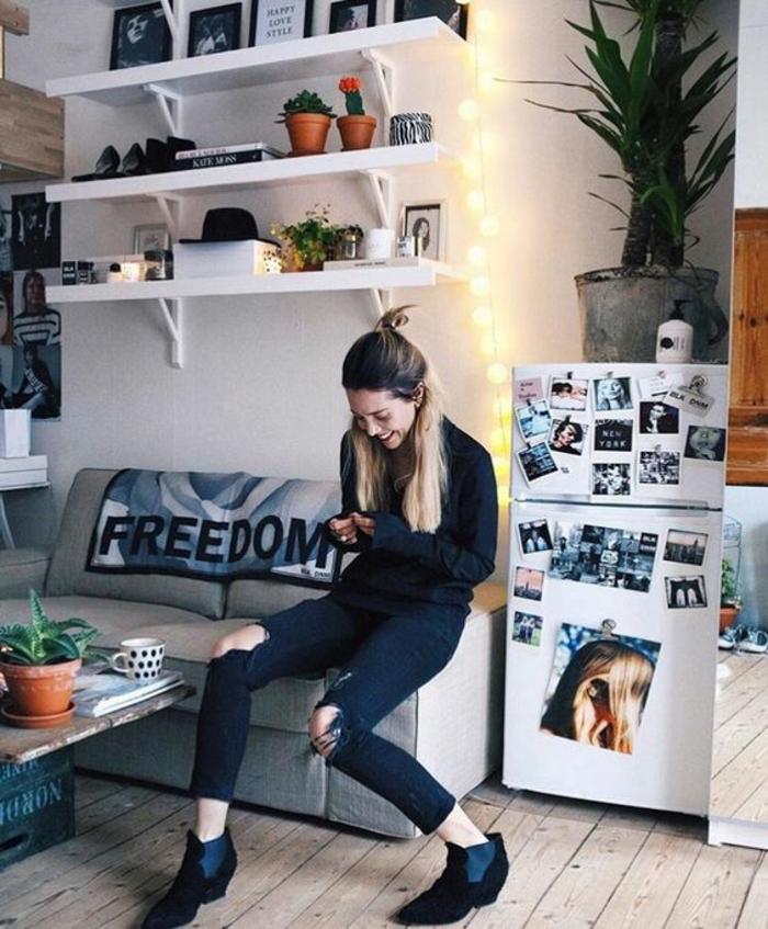 Chambre commun ado étudiante, deco chambre moderne, deco petite chambre adulte, adorable idee design intérieur moderne, étagèrea