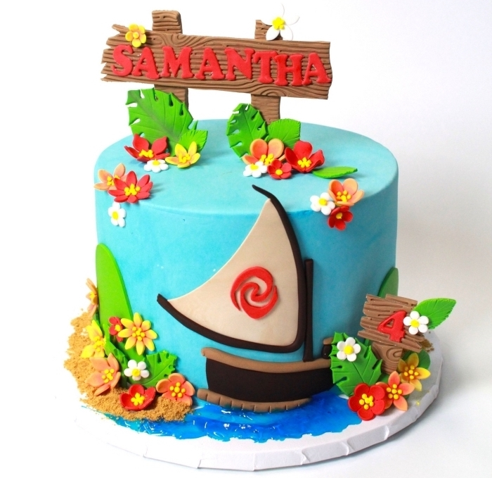 organiser une fête d'anniversaire enfant sur le thème de Vaiana, modèle gâteau fait maison à design Disney