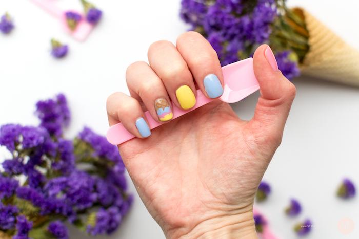 Photo ongle originale, ongle gel couleur, modele ongle gel, dessin sur ongle, couleurs pastel qui ressemblent aux couleurs de glace