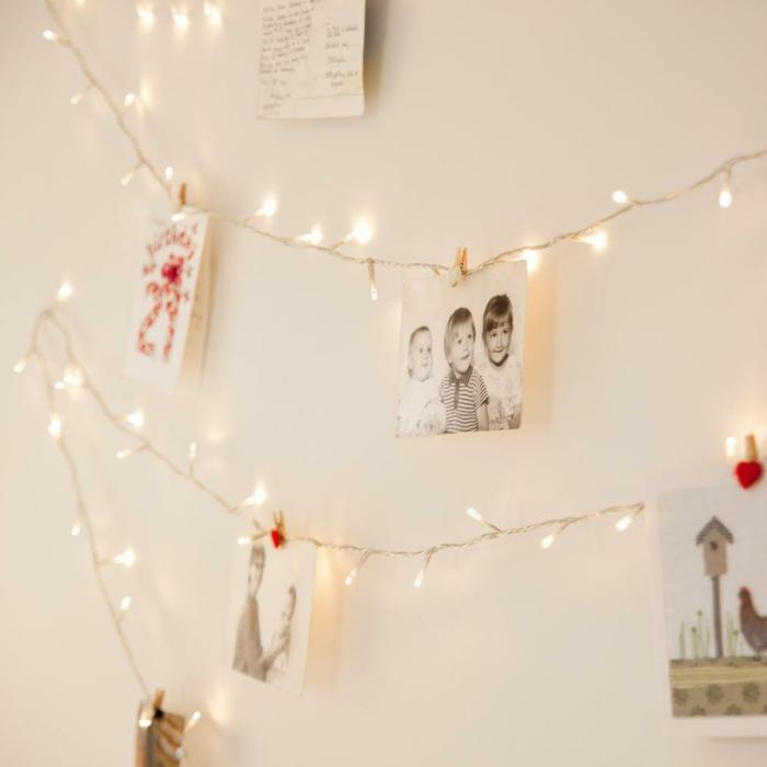 murs blancs guirlande ampoule, guirlande lumineuse pour chambre, photos en noir et blanc et en couleur, guirlande lumineuse ampoule