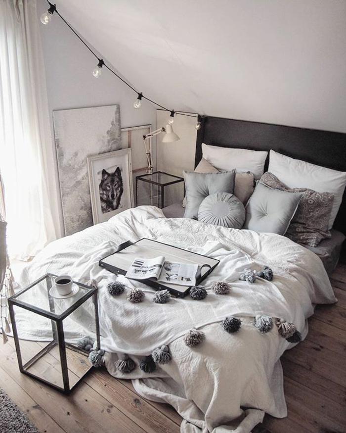 Chambre 12m2, deco chambre adulte, idée pour aménager une petite chambre à coucher, table à café en verre
