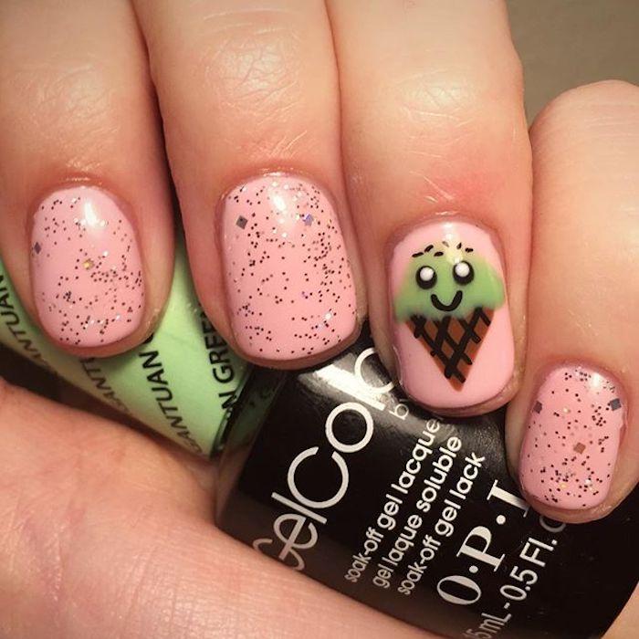 Motif ongle en gel, deco ongle gel, deco en french manucure simple, idée déco ongle originale, glace sur base rose
