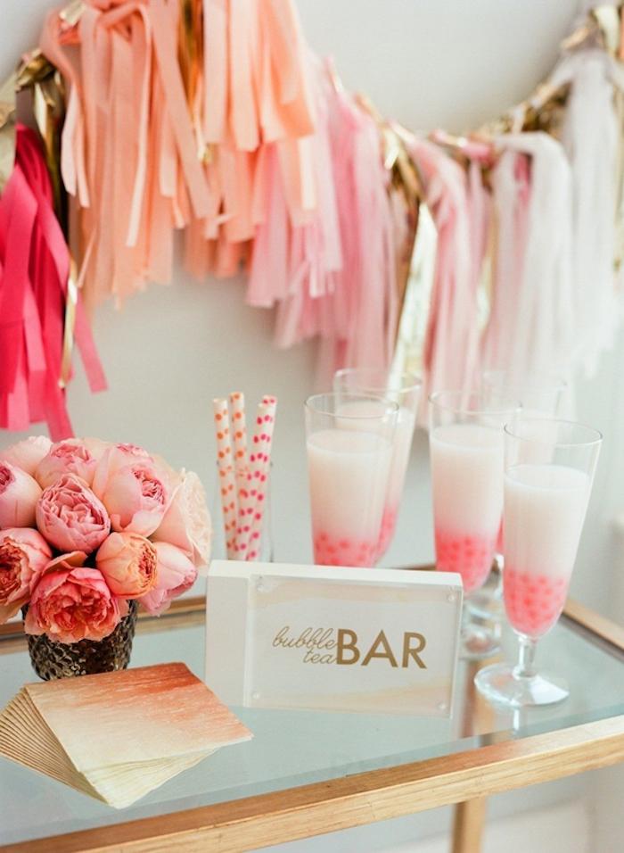 Idées enterrement de vie de jeune fille pas cher idée evjf activités cool idée bar de bubble thé adorable déco en rose et détails dorés