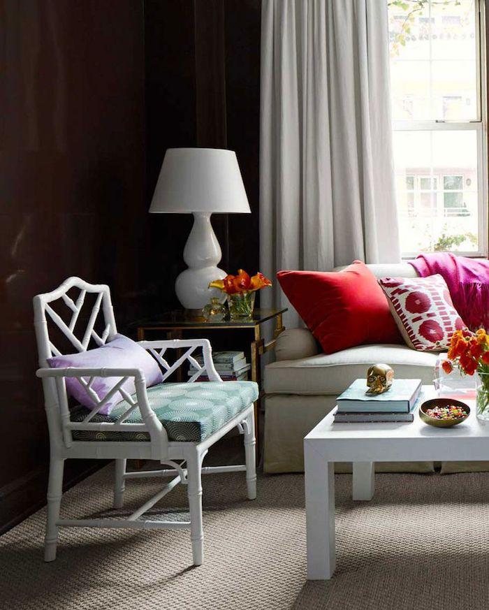 Amenagement salon décorer son salon inspiration séjour moderne mur bleu canard canapé et rideaux taupe comment associer les couleurs de sejour