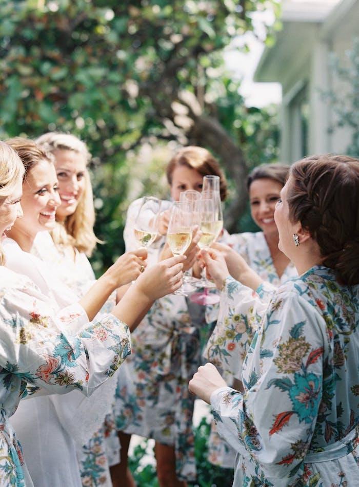 Simple idée activité evjf pyjama party champagne toast idée activité enterrement de vie de jeune fille quoi faire pour s amuser à son evjf