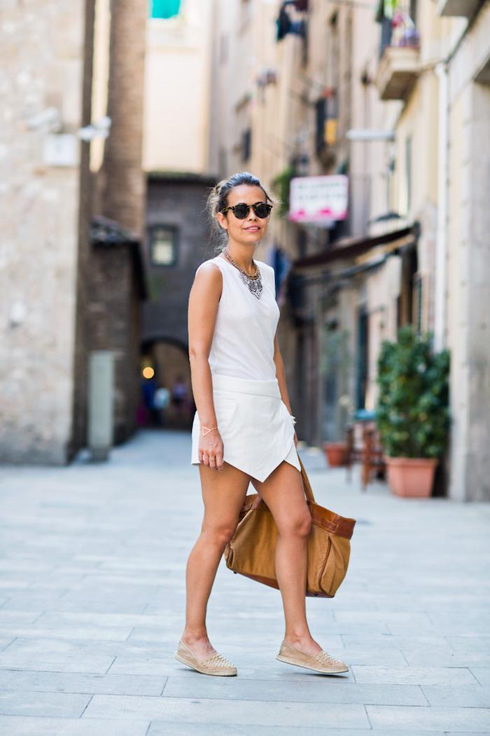 Combishort mariage, combishort habillée, tenue combinaison femme soirée, tenue blanche jupe culotte courte