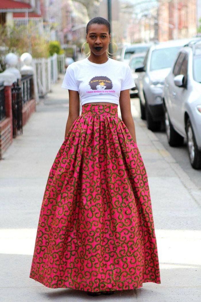 grande jupe ankara rose t shirt blanc femme mode africaine afro américaine