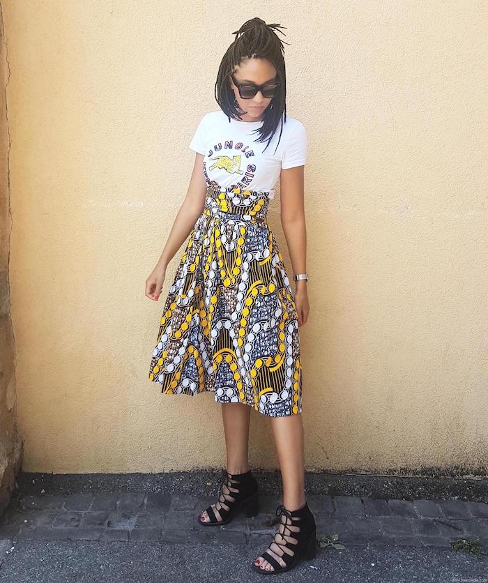 modele jupe pagne jaune et blanc avec tee shirt pour tenue été relax femme