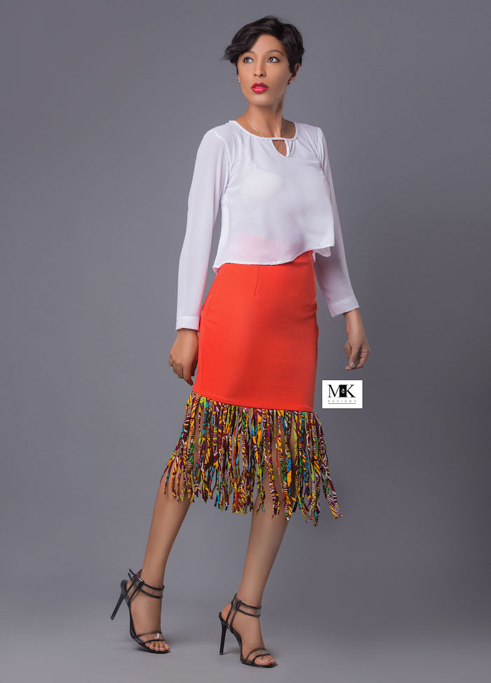 jupe africaine moderne coupe tube moulante orange avec frange colorées