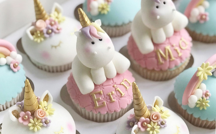 Cupcake licorne adorable erin et mia double anniversaire ou fete prenatale