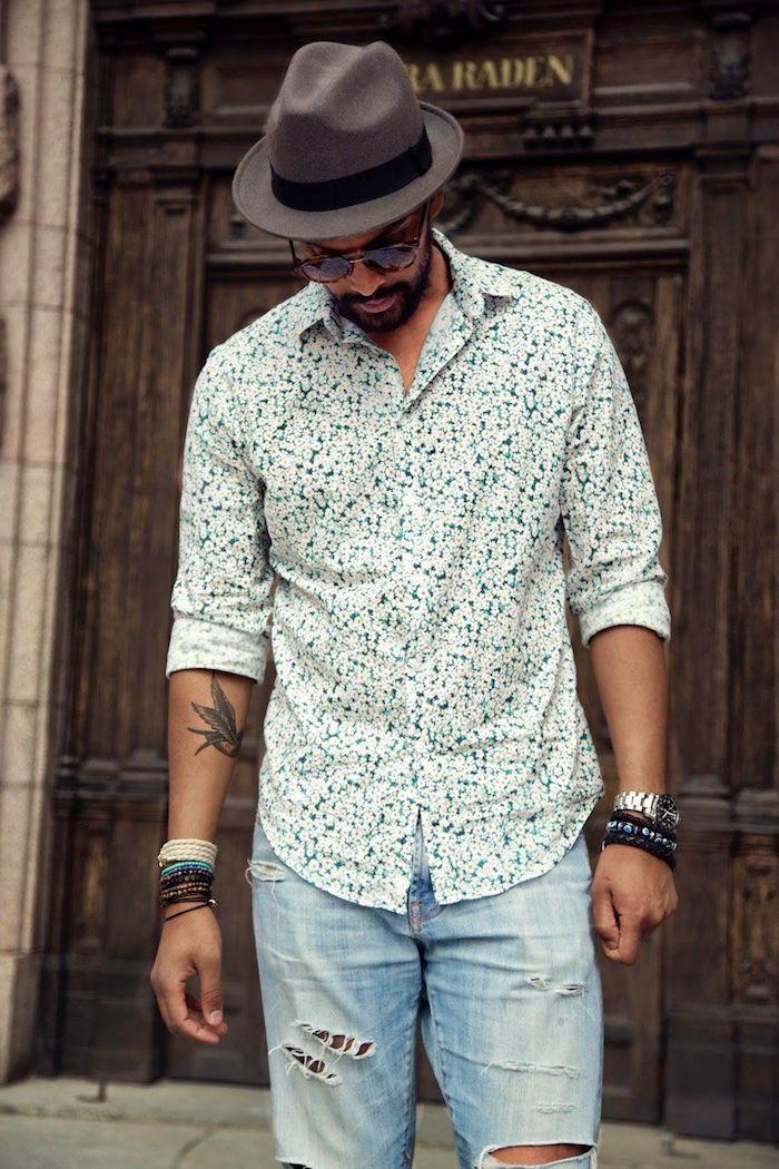 idée look homme mariage décontracté avec chemise fantaisie jean tours et chapeau boheme