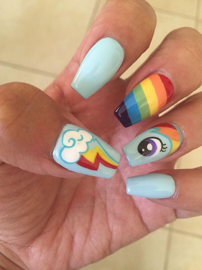 Modèle ongle en gel dessin le petit pony, idée ongle déco avec dessin ongle, quelles sont les tendances pour les petits, arc en ciel