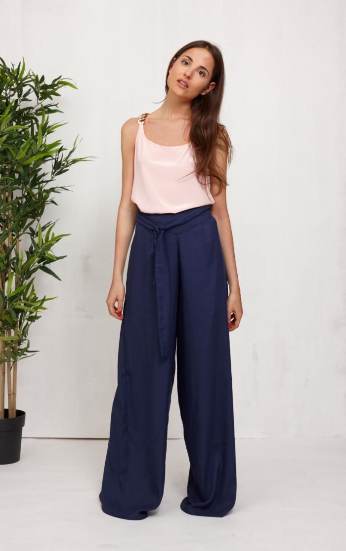 b2da6825eae8 Le pantalon fluide à taille haute – 88 idées comment le porter de manières  variées ...