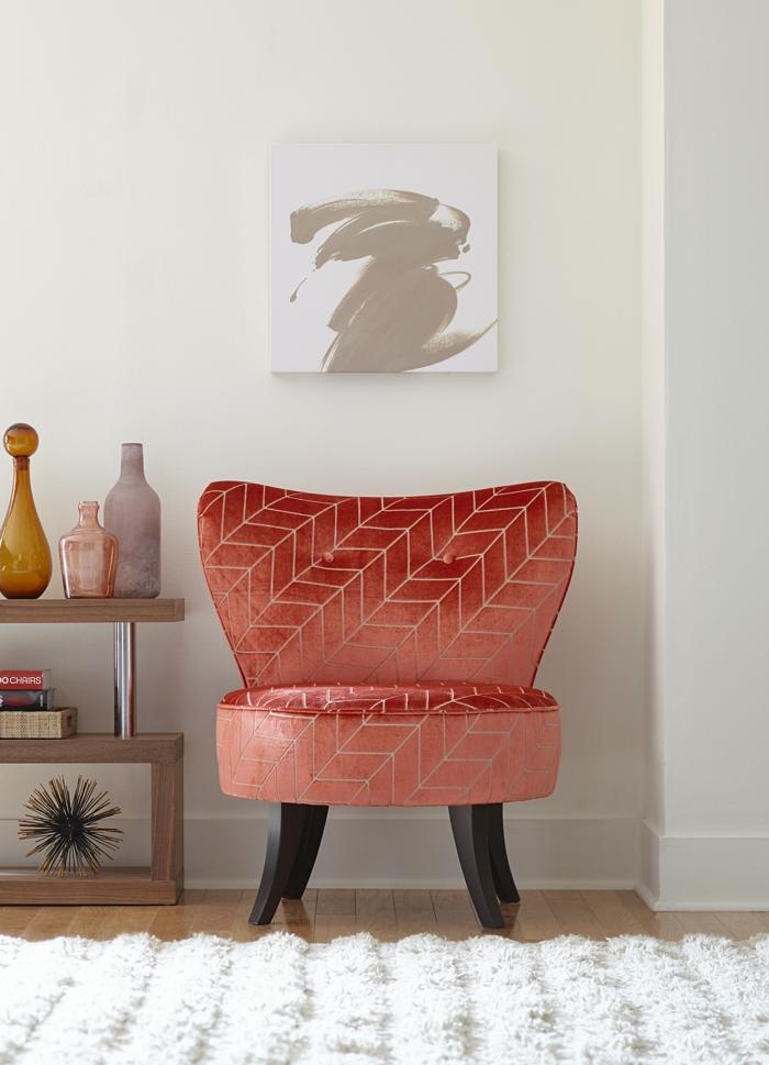 moderniser meuble ancien, renover meuble bois, fauteuil en tissu orange, murs blancs, tapis pelage long blanc, un meuble en bois avec sa seconde vie pimpante