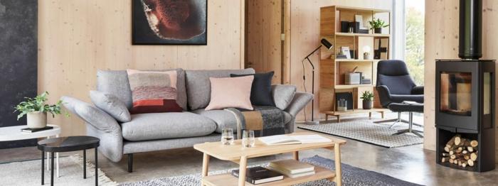 meuble relooké, comment moderniser meuble ancien pour le salon, couverture de tissu gris pastel, renover meuble bois