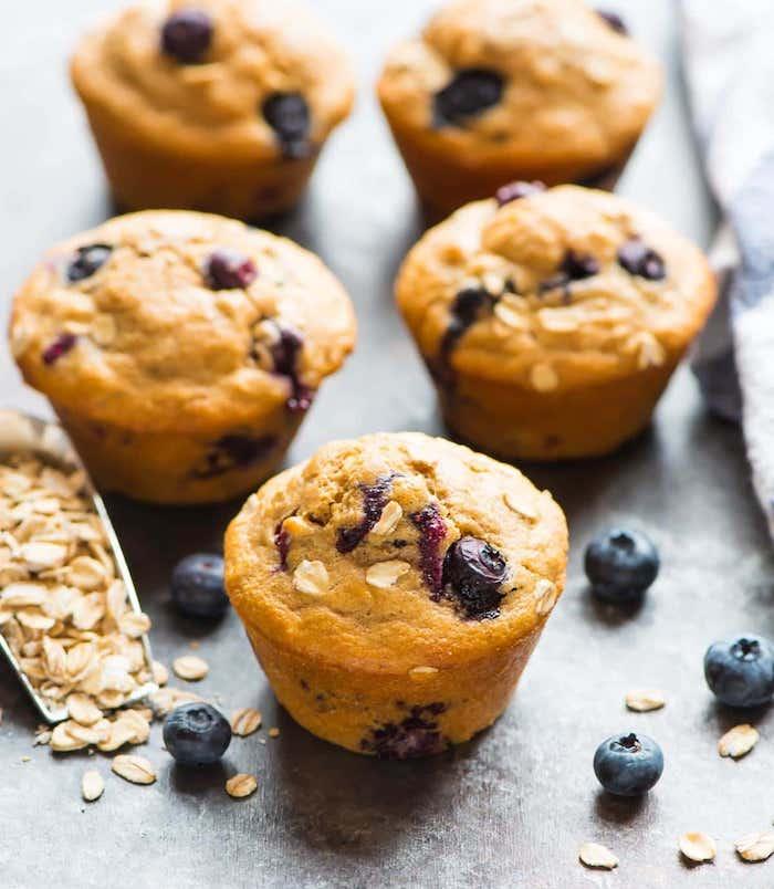 muffins aux myrtilles et flacons d avoine, idée de petit déjeuner sain à faire soi meme
