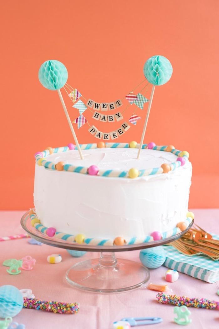 Belle photo déco et gateau baby shower fille, bébé dans la famille, gâteau baby shower gateau bapteme décoration