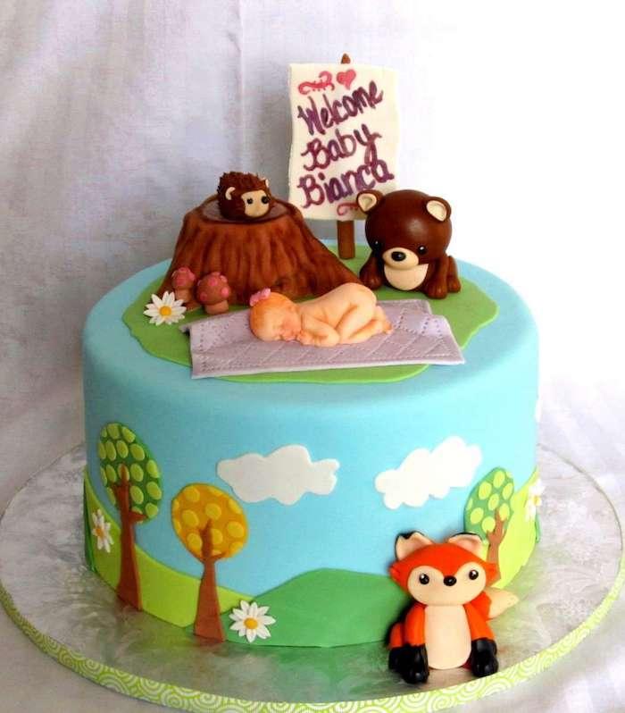 Renard et bébé à la fôret, gâteau en pâte à sucre, adorable idée gâteau baby shower