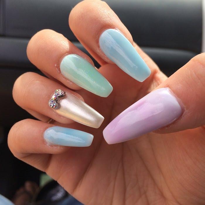 Idee ongle original pour l'été, idée manucure. deco ongle facile, photo d'ongle gel inspiration, couleur perle