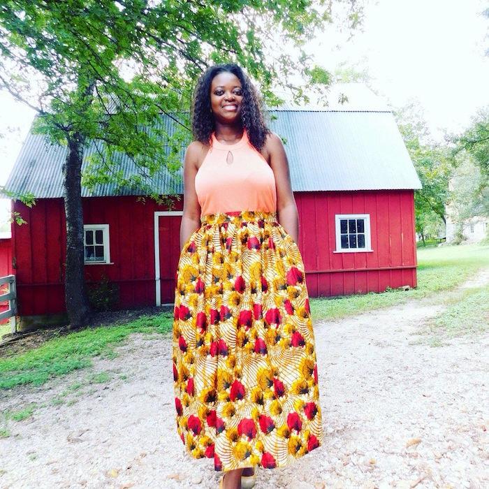 wax courte modele de robe longue en pagne wax jaune et rouge avec haut couleur saumon